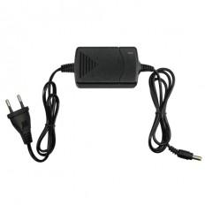 Alimentador electrónico 12 V / 1500 mA con cable alargador